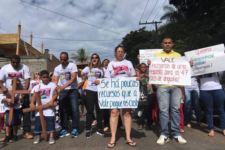 Familiares de desaparecidos em Brumadinho protestam contra falta de respostas da Vale