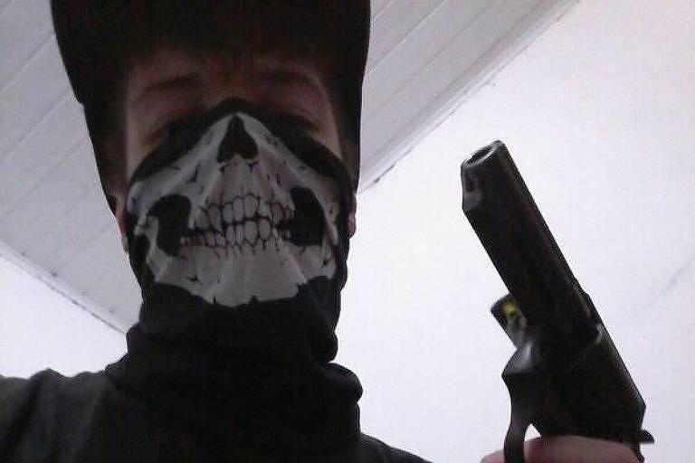 Guilherme Taucci de Monteiro, 17, posta fotos com arma antes de ataque a tiros em Suzano