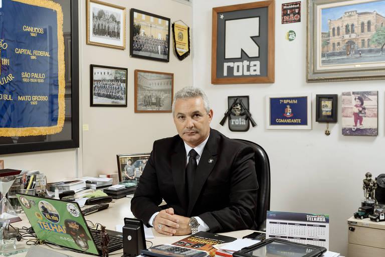 Coronel Telhada em seu gabinete na Câmara Municipal de São Paulo, pouco antes de assumir seu primeiro mandato como deputado estadual