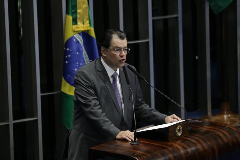 O senador Eduardo Braga (MDB-AM) em sessão solene do Senado Federal em homenagem aos 98 anos do jornal e homenagem in memorian a Otavio Frias Filho