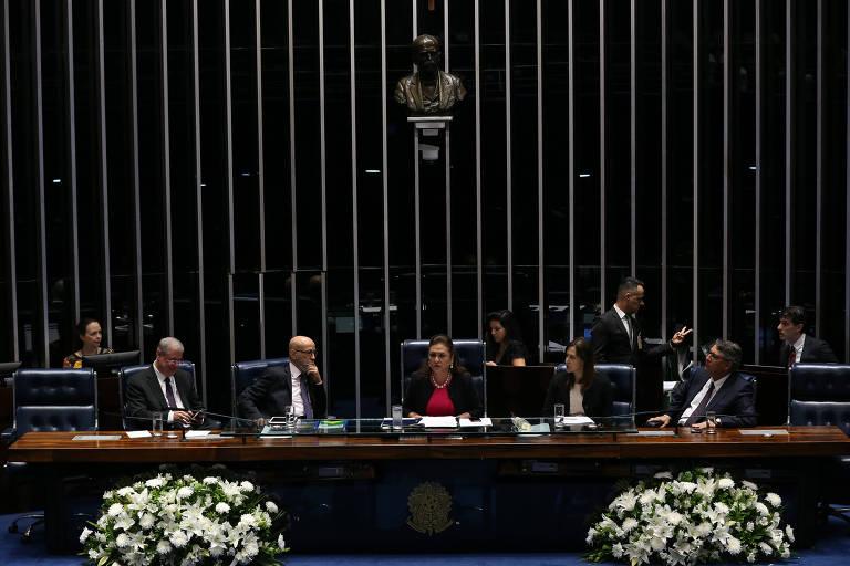 Senado faz sessão de homenagem à Folha