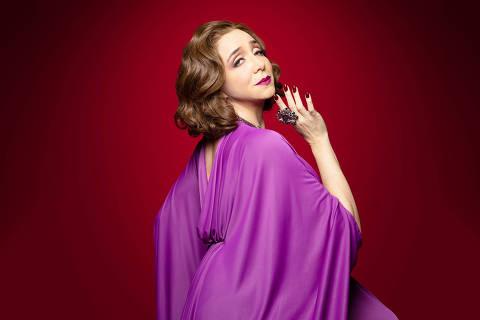 Marisa Orth vive uma estrela de cinema decadente no musical, adaptação do filme