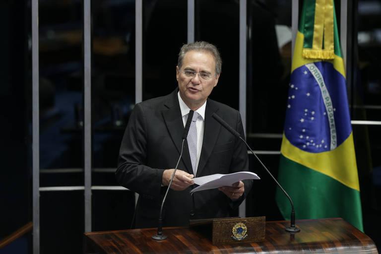 O senador Renan Calheiros (MDB-AL) discursa em sessão solene do Senado Federal em homenagem aos 98 anos da Folha e homenagem in memorian a Otavio Frias Filho