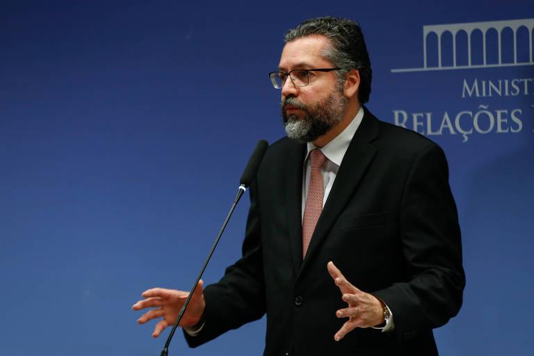 O ministro de Relações Exteriores do Brasil, Ernesto Araújo, durante entrevista coletiva sobre a Venezuela em fevereiro