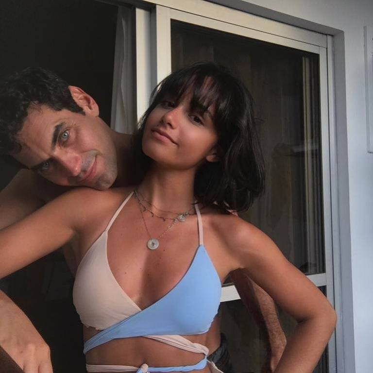Nikolas Antunes com a namorada, Fernanda Paes