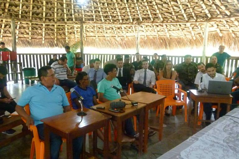 Audiência da Justiça Federal do Amazonas realizada a pedido do Ministério Público Federal na terra indígena Uaimiri-Atroari (RR) para apurar denúncias de crimes cometidos durante a ditadura militar