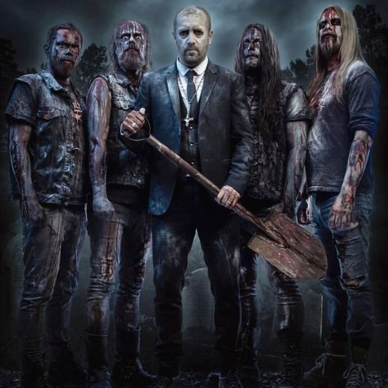 Nick Holmes, vocalista do Bloodbath, diz que as músicas da banda são 'basicamente uma versão em áudio de um filme de terror dos anos 80'