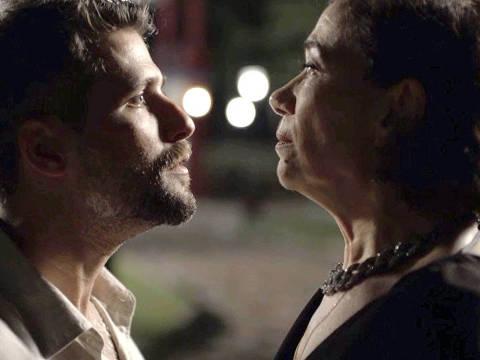 Gabriel (Bruno Gagliasso) exige que Valentina (Lilia Cabral) retire a queixa contra Luz (Marina Ruy Barbosa), na novela 'O Sétimo Guardião'