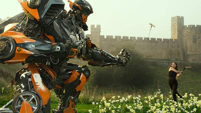 """Laura Haddock é Viviane em """"Transformers: O Último Cavaleiro"""""""