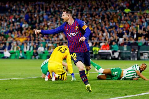 Soccer Football - La Liga Santander - Real Betis v FC Barcelona - Estadio Benito Villamarin, Seville, Spain - March 17, 2019  Barcelona's Lionel Messi celebrates scoring their second goal   REUTERS/Marcelo del Pozo ORG XMIT: AI