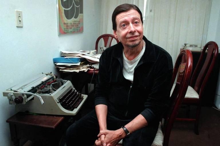 O escritor João Carlos Marinho em retrato em 1981, em São Paulo