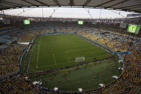 A general view ahead of the Round of 16 football match between Colombia and Uruguay at The Maracana Stadium in Rio de Janeiro on June 28, 2014,during the 2014 FIFA World Cup.  AFP PHOTO / FELIPE DANA/POOL ORG XMIT: FK1992