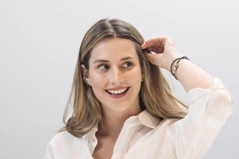 SÃO PAULO, SP, 18.03.2019 - Bettina Rudolph, 22, que ficou famosa em anúncio virtual da Empiricus em que contou ter transformado R$ 1.520 em R$ 1,042 milhão em 3 anos, no escritório da Empiricus, em São Paulo. (Foto: Eduardo Knapp/Folhapress)