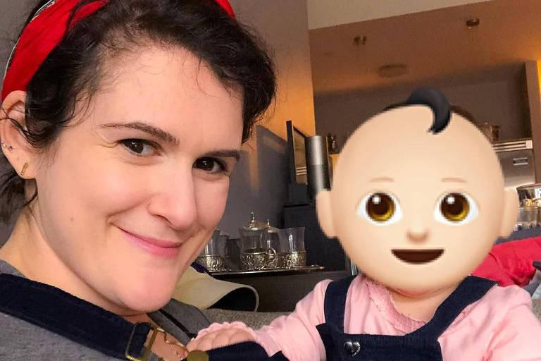 Sara Gaynes Levy, que cobre o rosto da filha com emoji nas redes sociais