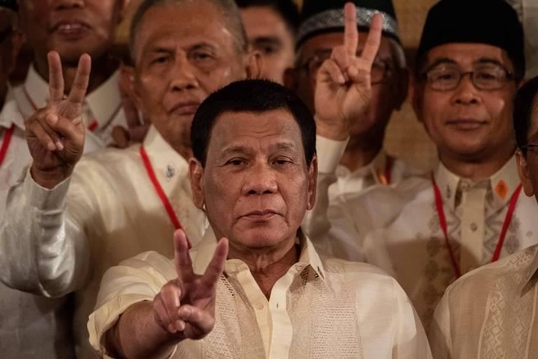 Às vésperas de eleição, Duterte coloca adversários políticos em lista antidrogas