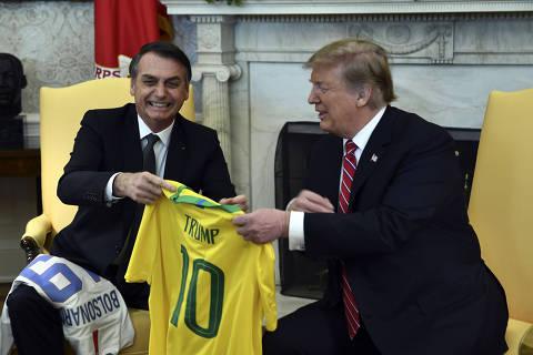 Trump diz que apoia Brasil na OCDE e vai discutir com Bolsonaro ação militar na Venezuela