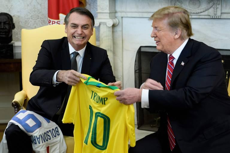Os dois trocaram camisas de futebol no salão Oval
