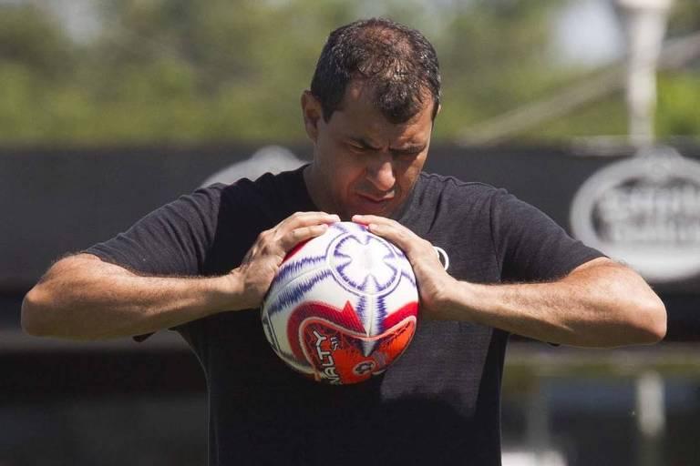 Fábio Carille comanda treino do Corinthians