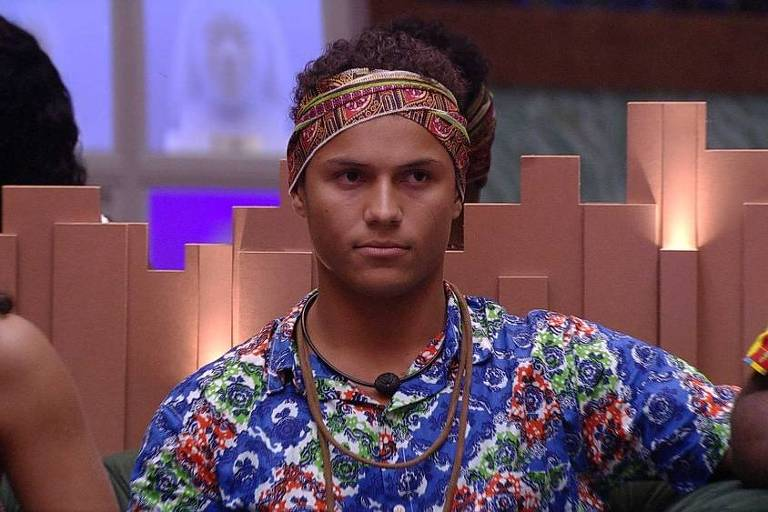 Danrley deixa a casa do BBB 19
