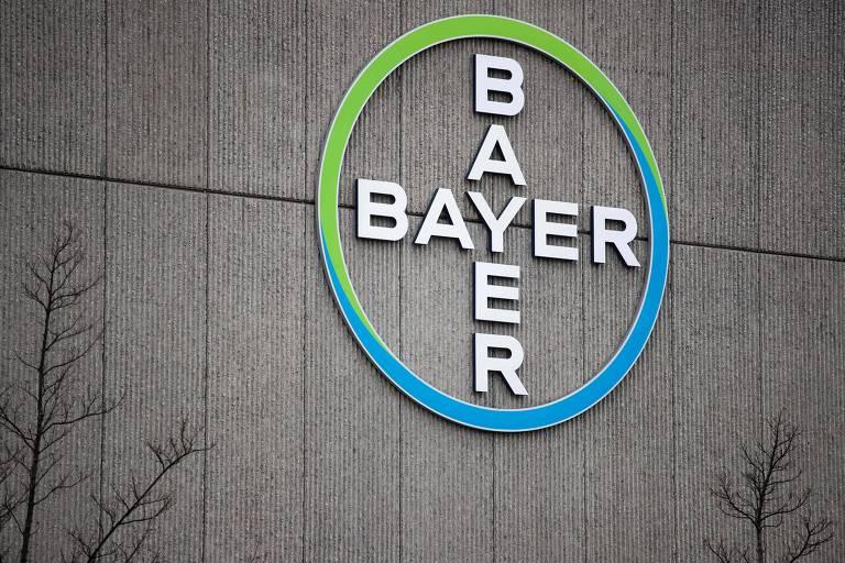 Logo da Bayer em sede em Berlim