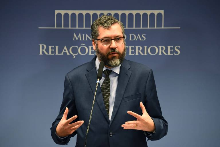 O ministro das Relações Exteriores, Ernesto Araújo, durante conferência no Itamaraty