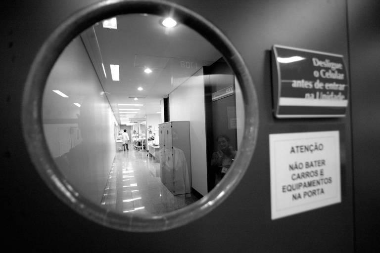 Estima-se que processos nas esferas municipal, estadual e federal atinjam R$ 7 bilhões por ano; na foto, corredor de hospital na capital paulista