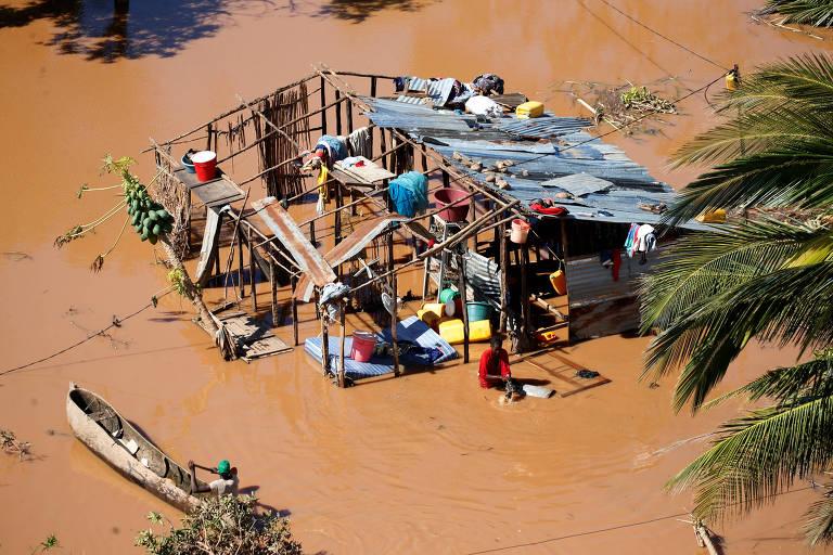 'Pessoas andam pelas ruas buscando comida', diz missionária brasileira em Moçambique