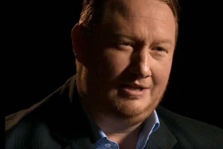 O ex-espião dinamarquês Morten Storm durante entrevista