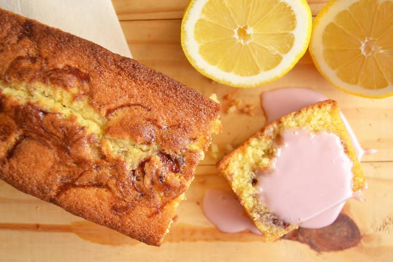 Receita de bolo de limão com geleia de frutas vermelhas