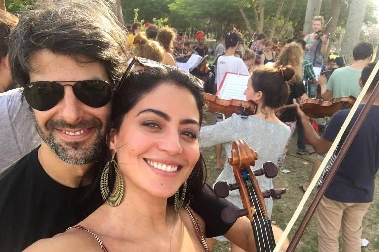 Felipe Prazeres e Carol Castro