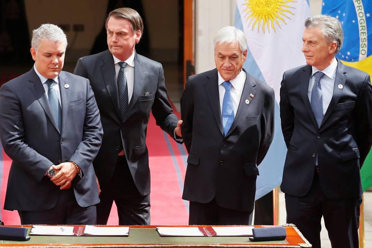 O presidente brasileiro, Jair Bolsonaro (segundo, da esq. para a dir.), ao lado dos presidentes de Colômbia, Chile e Argentina
