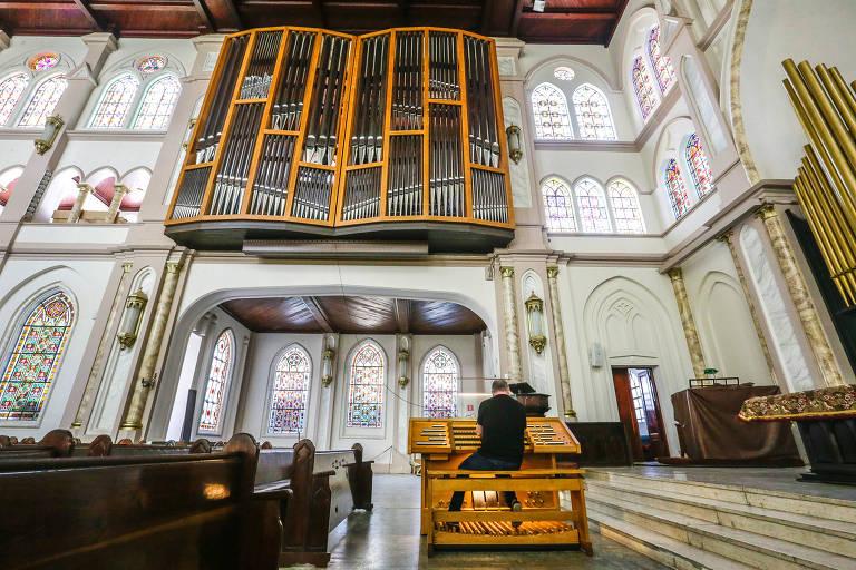 Órgão de tubos instalado na Catedral Evangélica
