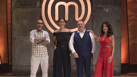 Os jurados Henrique Fogaça, Paola Carosella e Erick Jacquin, junto à apresentadora Ana Paula Padrão