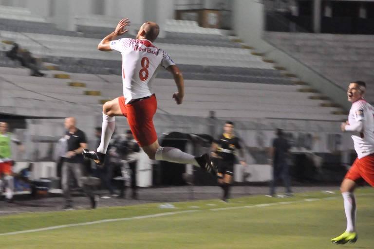 Uillian comemora gol do Red Bull sobre o São Bento, no Moisés Lucarelli, durante a fase de grupos do Paulista