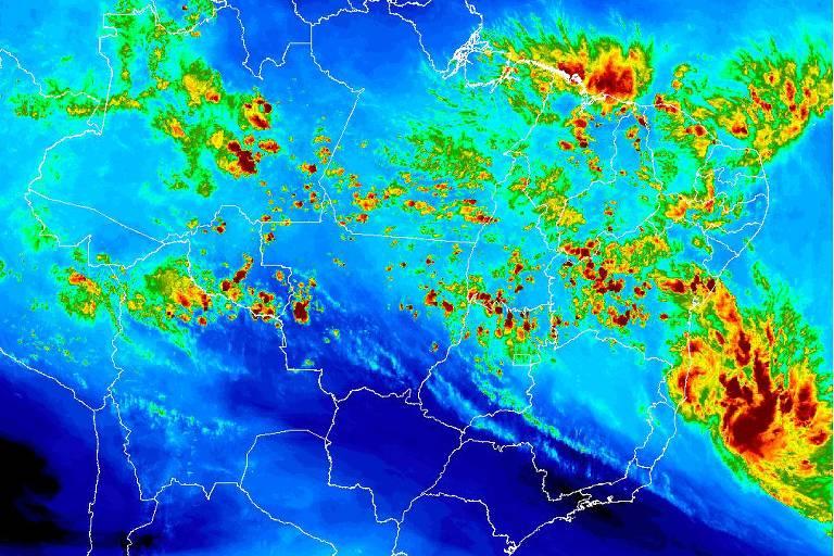 Imagem de satélite mostra tempestade tropical Iba próxima do sul da Bahia e do Espírito Santo no domingo (24)