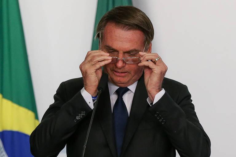 O presidente Jair Bolsonaro durante cerimônia de assinatura de contratos de concessão de transmissão de energia, no Palácio do Planalto