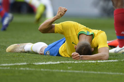 Brazil's forward Richarlison gestures after mising an attempt on goal during an international friendly football match between Brazil and Panama at the Dragao stadium in Porto, on March 23, 2019 in preparation for the Copa America to be held in Brazil in June and July 2019. (Photo by MIGUEL RIOPA / AFP) ORG XMIT: MR6803