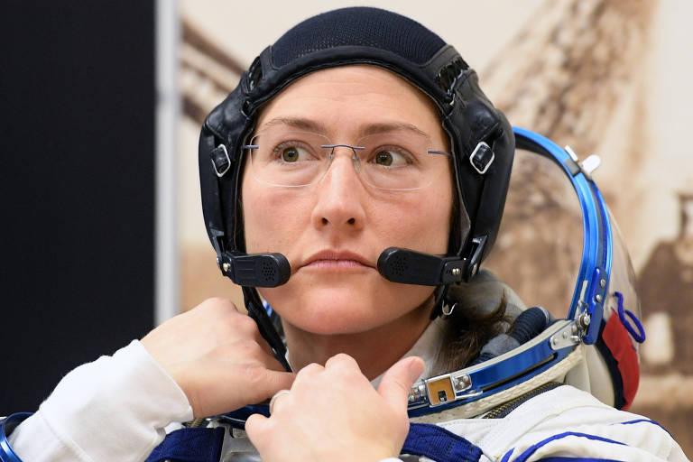 A astronauta Christina Hammock Koch, membro da Estação Espacial Internacional