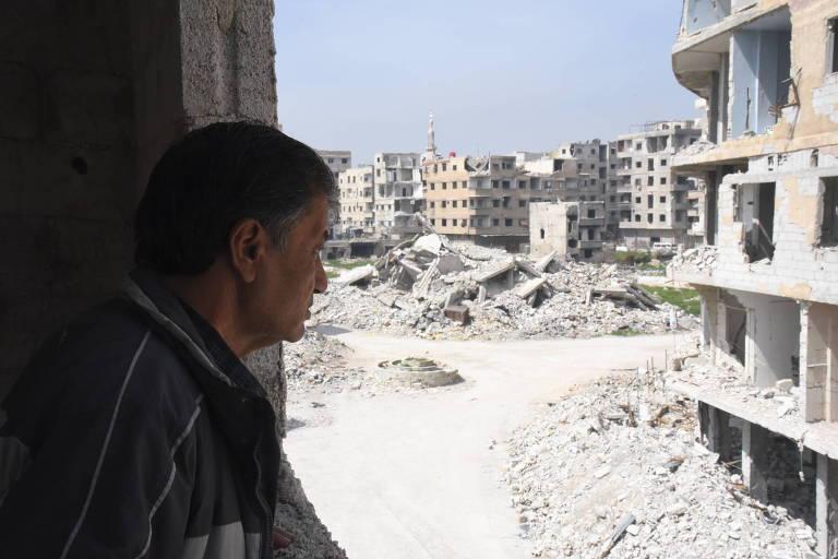 Área destruída em região nos arredores de Damasco