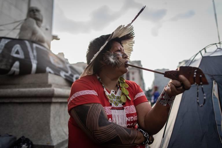 Índios fazem protestos pelo Brasil contra mudanças na saúde