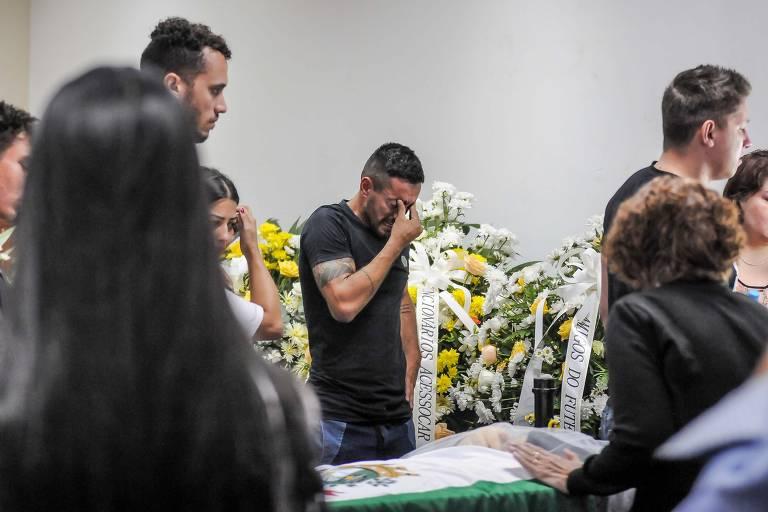 Morre Rafael Henzel, um dos quatro brasileiros sobreviventes da tragédia com o avião da Chapeoense