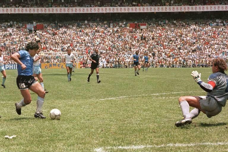O ex-meia Diego Maradona, considerado o maior jogador da história da Argentina, disputou quatro Copas  e foi campeão do mundo em 1986, no México