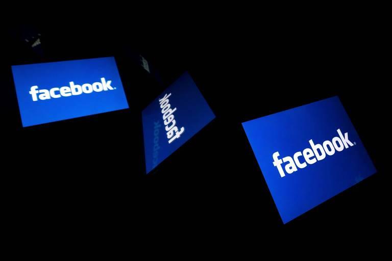 Logos do Facebook são exibidos em Paris