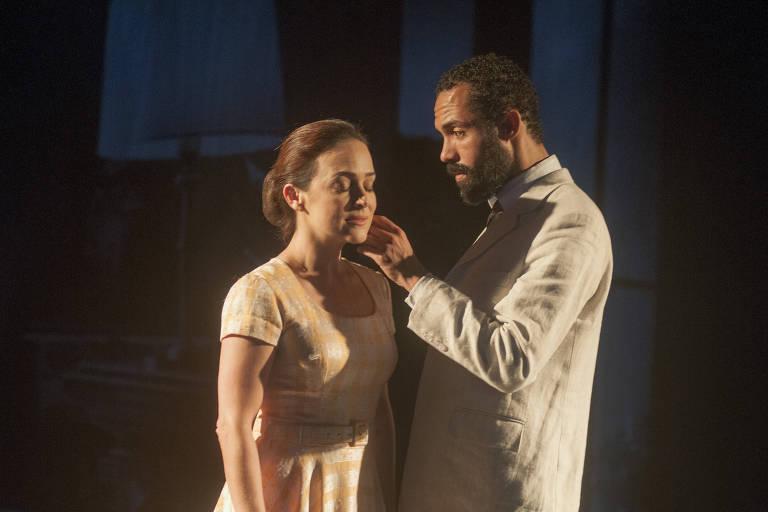 Gabriela Duarte e Silvio Guindane interpretam Sara e Fausto em 'Perfume de Mulher'