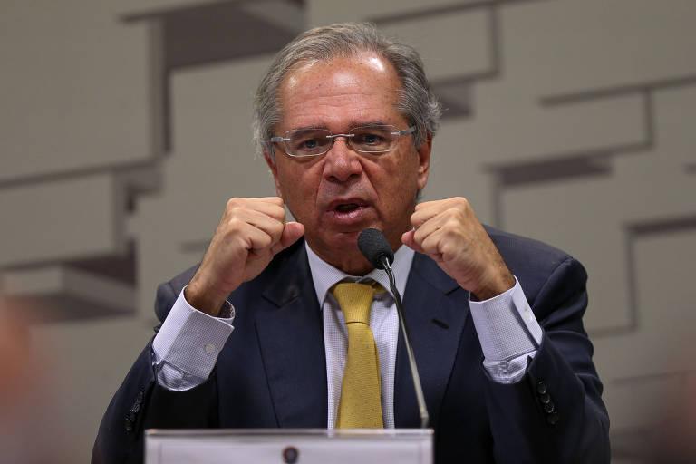 'Nenhuma rendição, nenhum recuo', diz equipe a Guedes em mensagem interna