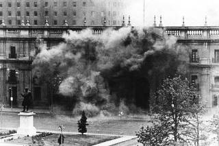 FILE PICTURE OF PRESIDENTIAL PALACE LA MONEDA BEING BOMBED DURING COUP DE ETAT