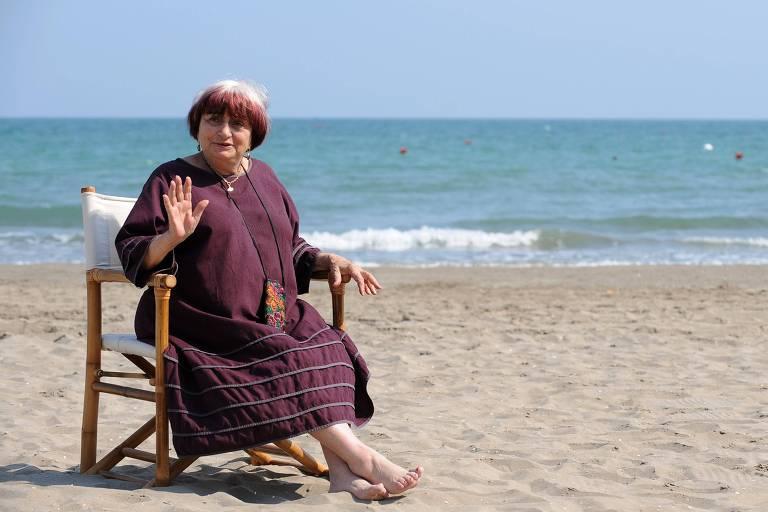 """A diretora Agnès Varda posa em Veneza para promover o filme """"As Praias de Agnès"""""""
