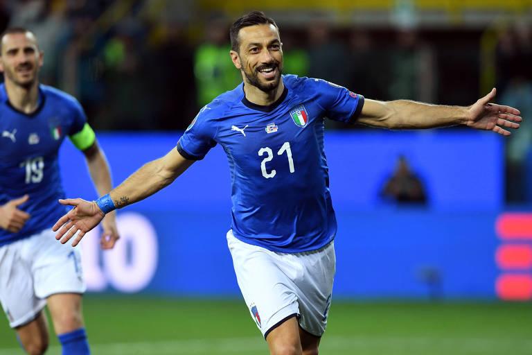 Fabio Quagliarella comemora gol pela seleção italiana sobre Liechtenstein