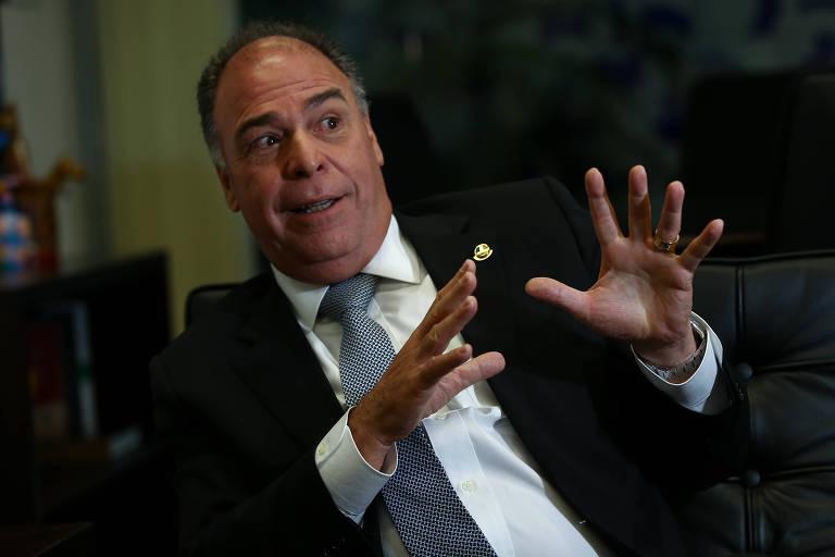 O líder do governo no Senado, senador Fernando Bezerra Coelho (MDB-PE), durante entrevista à Folha sem seu gabinete