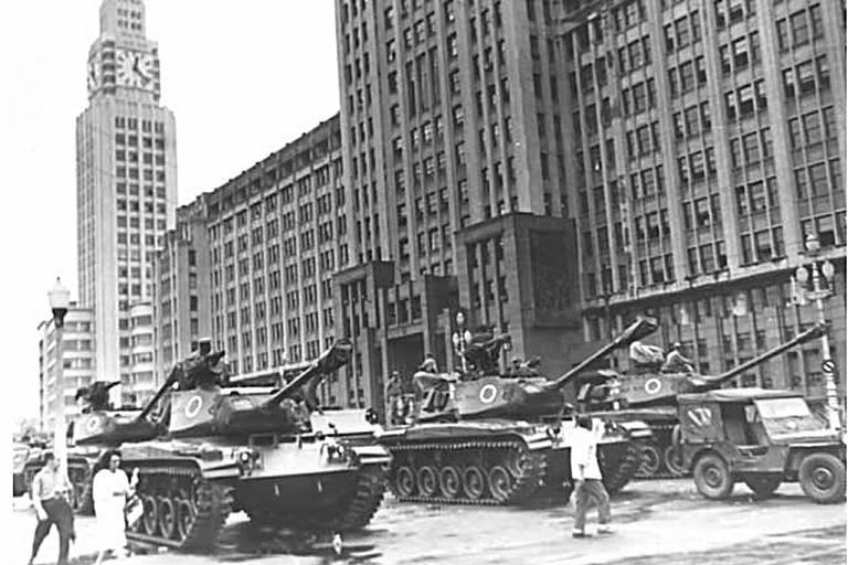 Avenida Presidente Vargas no dia 31/3/1964